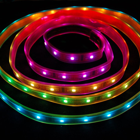 Vodeodolné RGB LED pásy 30 SMD/m
