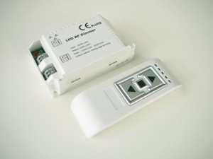 Diaľkový RF stmievač pre LED žiarovky a svietidlá