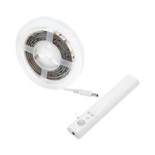 Vodeodolný LED pás na baterky so senzorom